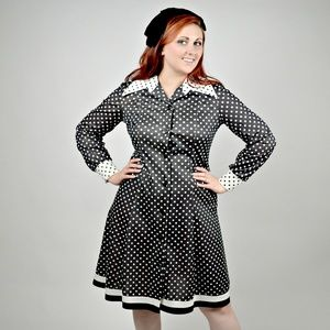 Vintage 80s Black and White Fit and Flare Dress